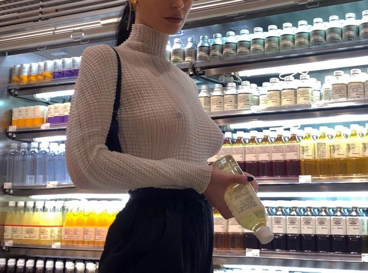 Фото прикол  про женскую грудь, прозрачность пошлый