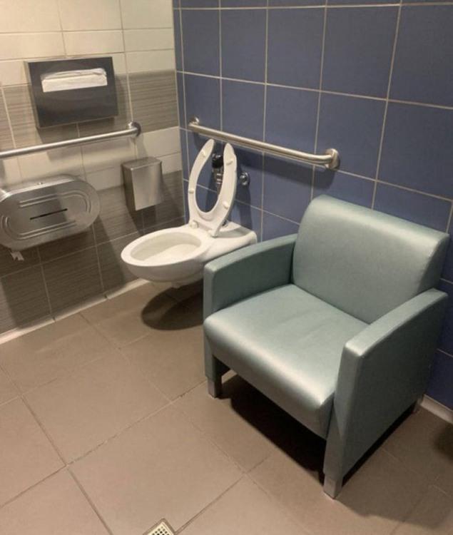 Фото прикол  про туалет
