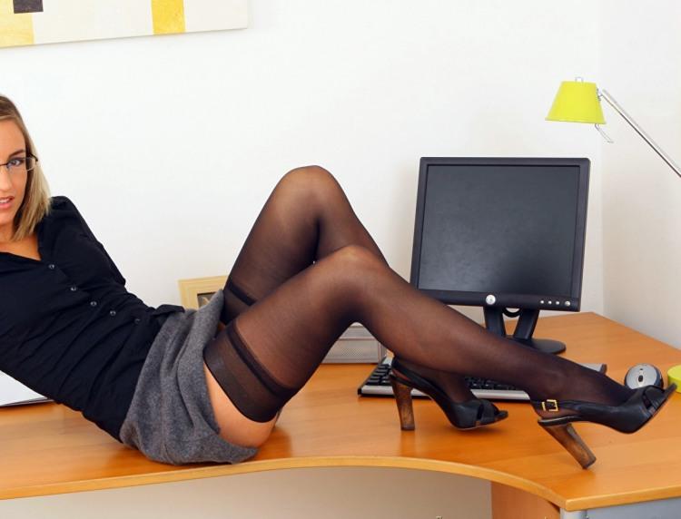 Фото прикол  про секретаршу пошлый