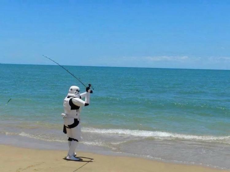 Фото прикол  про рыбаков и звездные войны