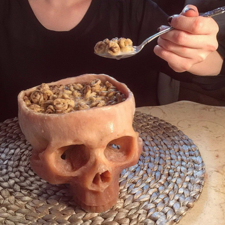 Фото прикол  про череп, еду черный