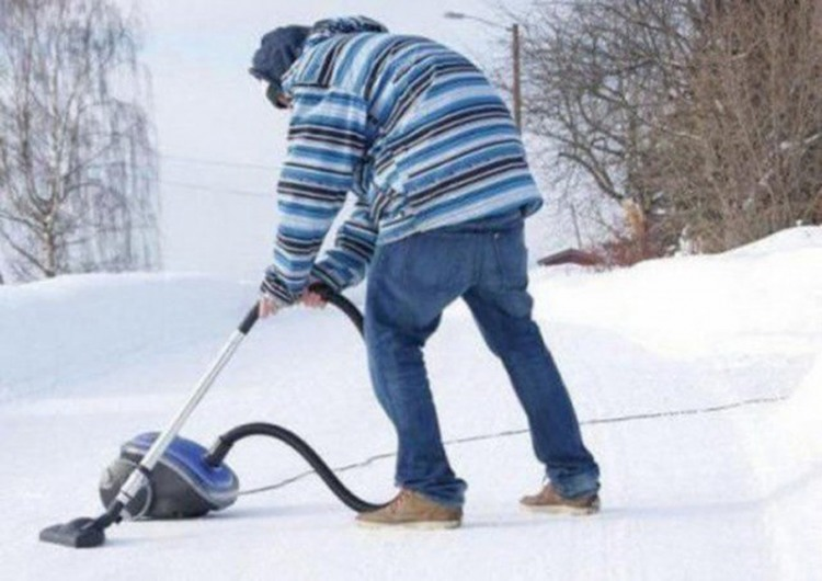 Фото прикол  про пылесос и зиму